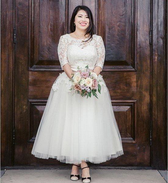 abiti da sposa curvy corti